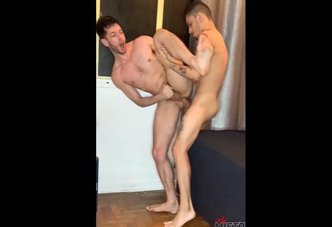 Sexo em pé